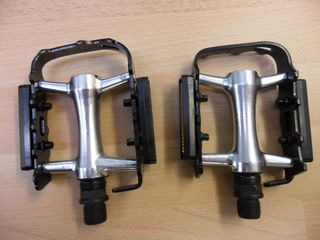 WELLGO M-21 alloy touring pedal
