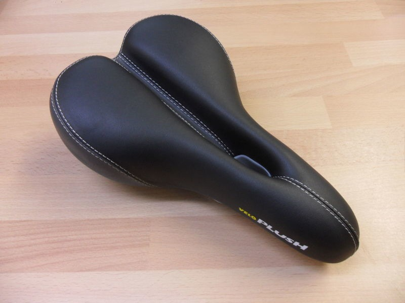 VELO Plush Comfort Saddle click to zoom image